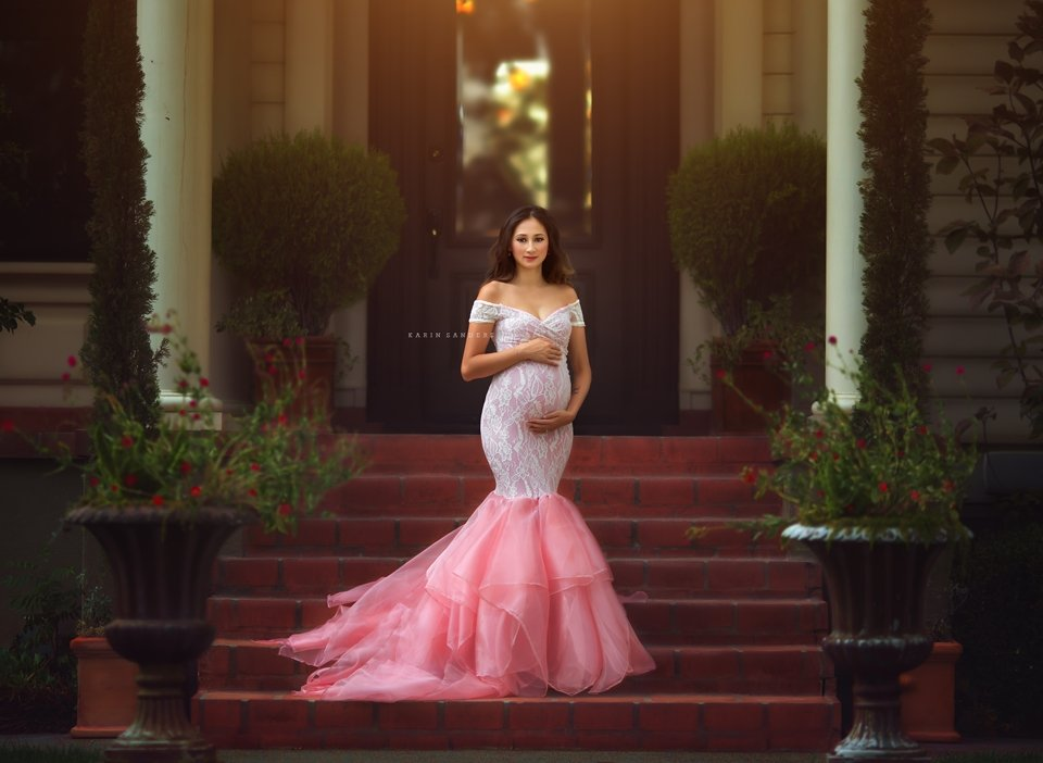 Bella Lace Maternity Gown
